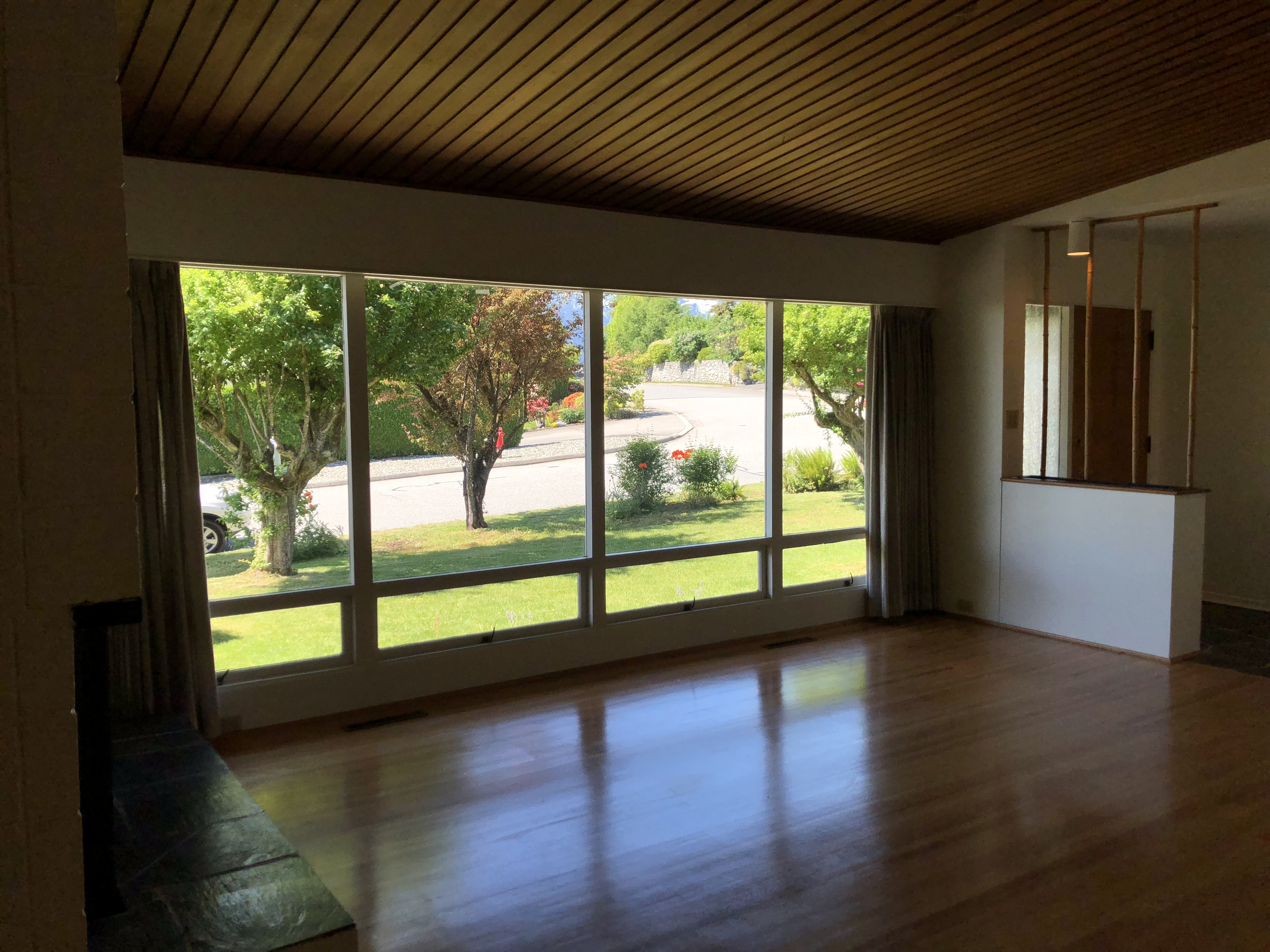 Well Preserved Architectural Mid-Century Modern Rancher (4108 Skyline Drive)