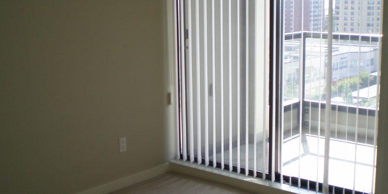 Col7108_2 Bedroom 002