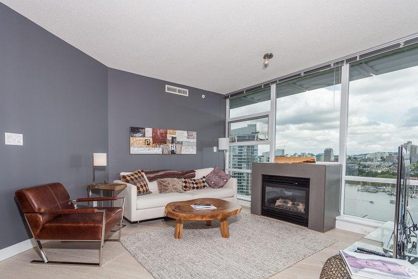 Furnished Luxury Waterfront Condo, Air-Conditioned!