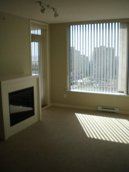 Modern Highrise View Condo 1 Bed with 2 Parking Stalls!