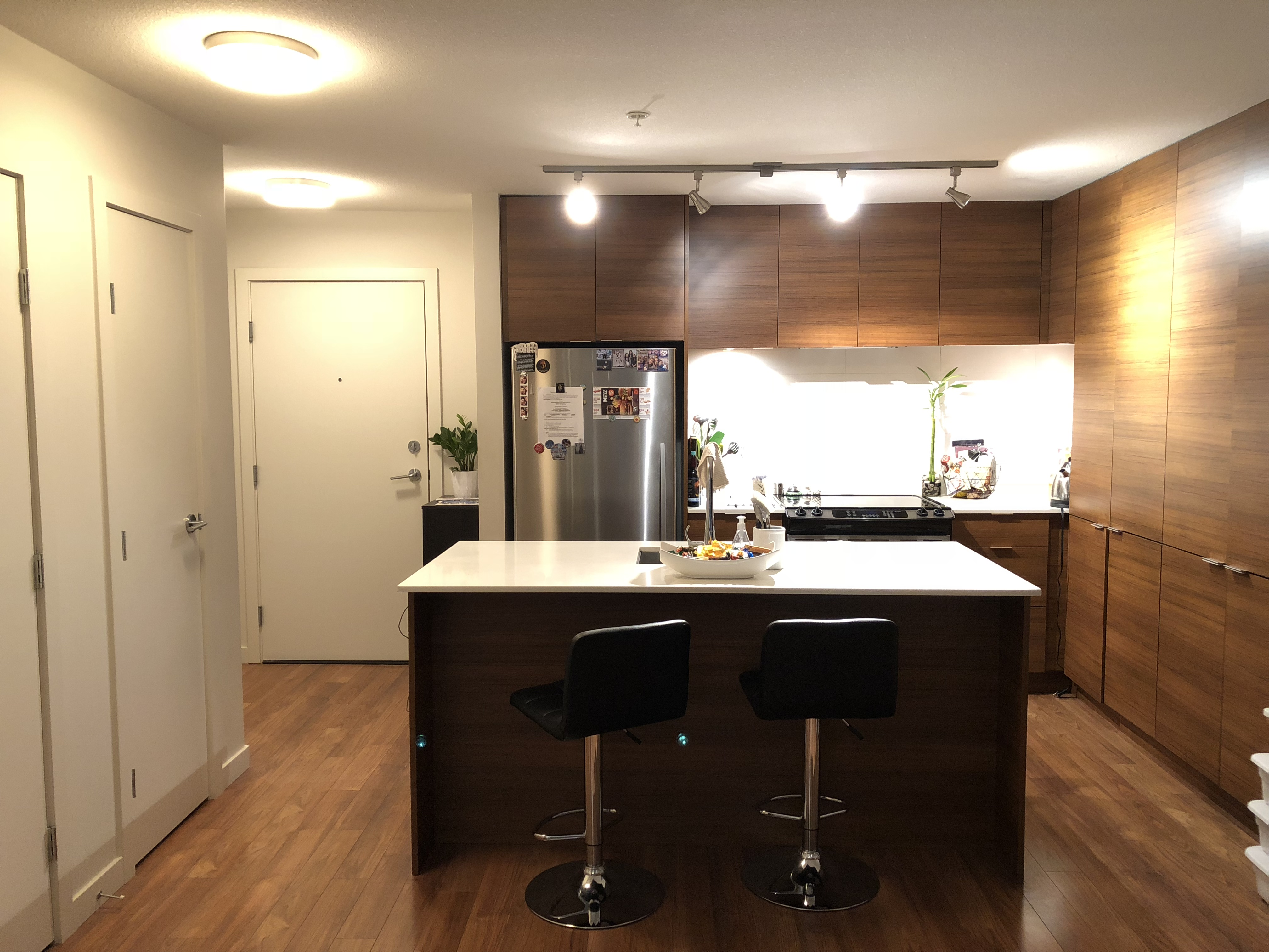 1 Bed/ 1 Bath Condo at the Dristrict Crossing in North Vancouver