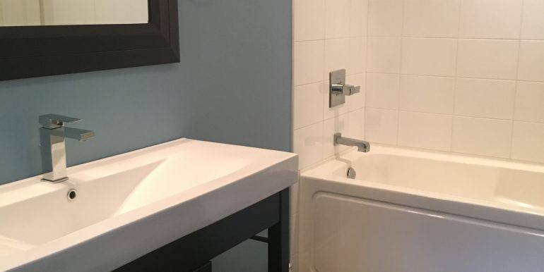 13 - Main Bath upstairs