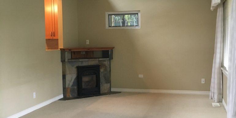 5 - Living Room