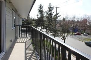 lakewood_heights_balcony
