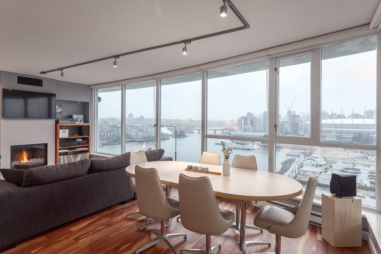 Breathtaking Views, Large Luxurious Updated Corner Unit