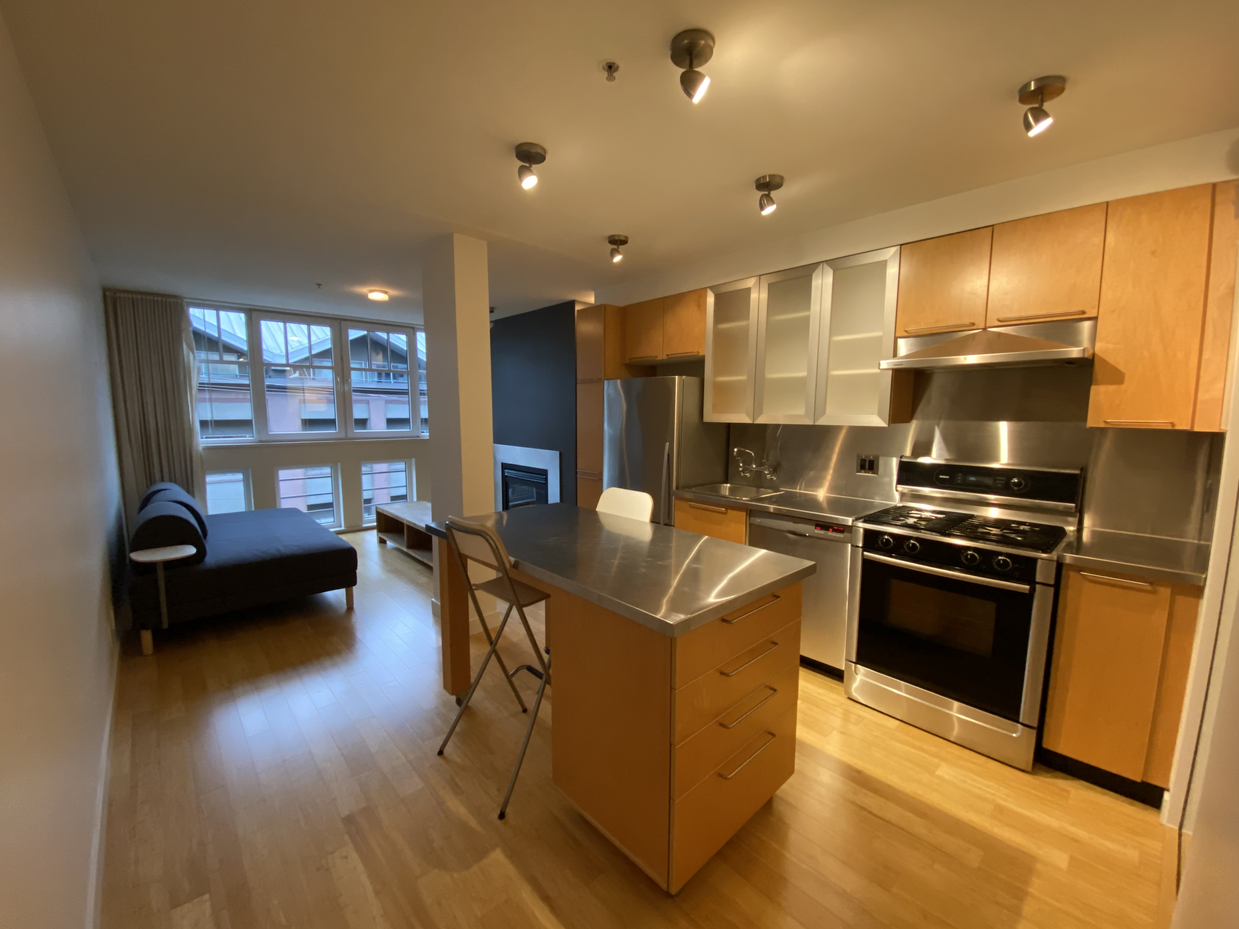 NYC-Inspired Yaletown Warehouse Conversion, Unfurnished
