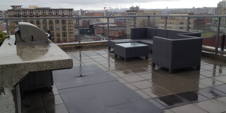 Roof Top Seating with BBQ