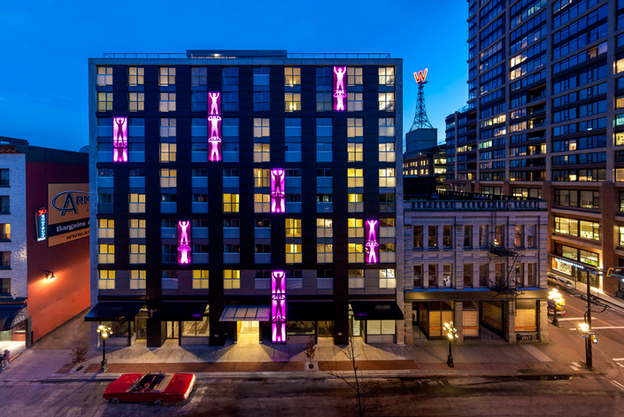 2 Bed/2 Bath in the Centre of Gastown w. Roof Top Patio