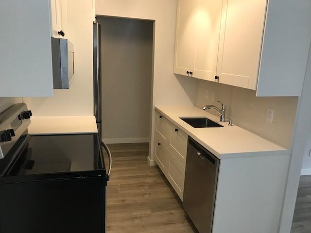 Sensational Condo, Brand New Interior- Quiet Corner Unit