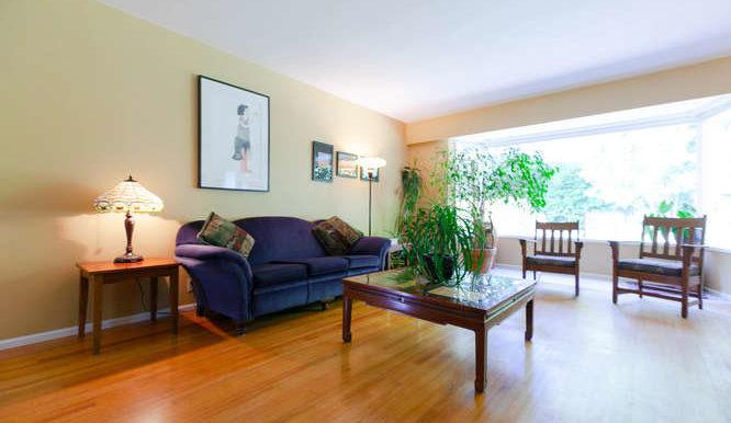 4391 Carolyn Dr North-small-004-5-Living Room-666x444-72dpi