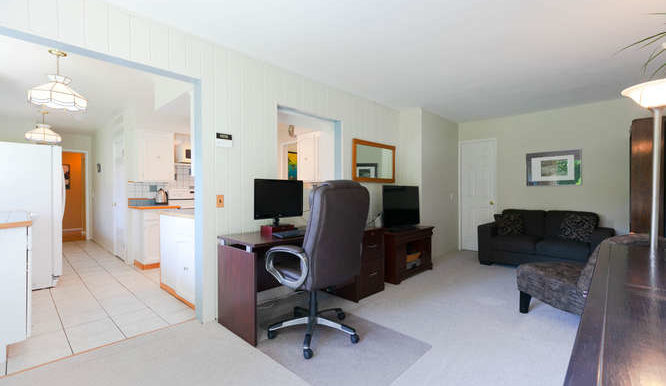 4391 Carolyn Dr North-small-014-18-Family Room-666x444-72dpi