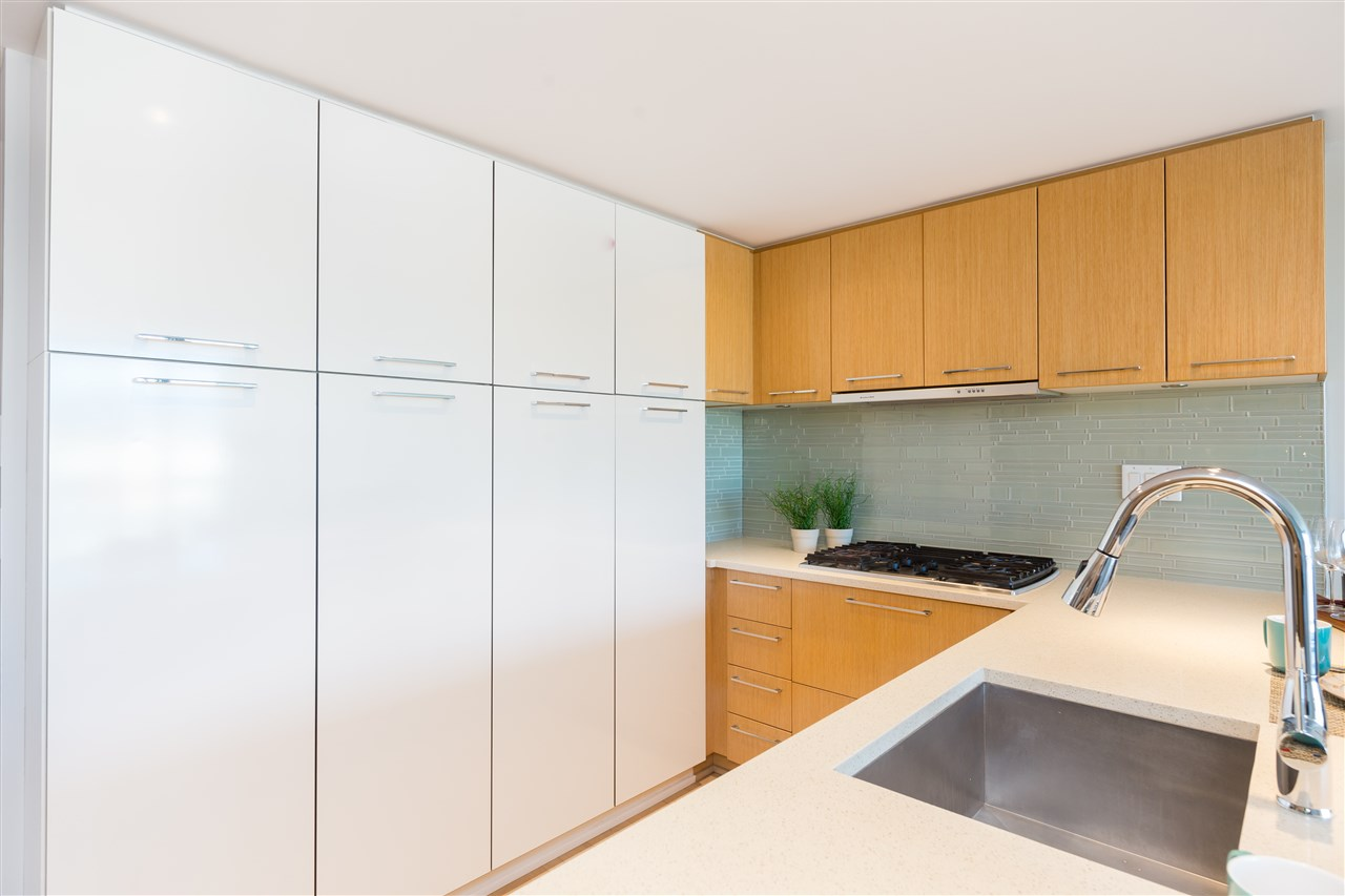 Kits Condo Living! Large View Unit, Geothermal Cooling!