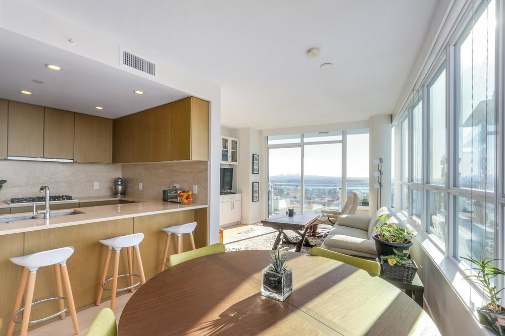 Luxurious Living in Lonsdale at Centerview! (1504-125 E 14th Street, Central Lonsdale)