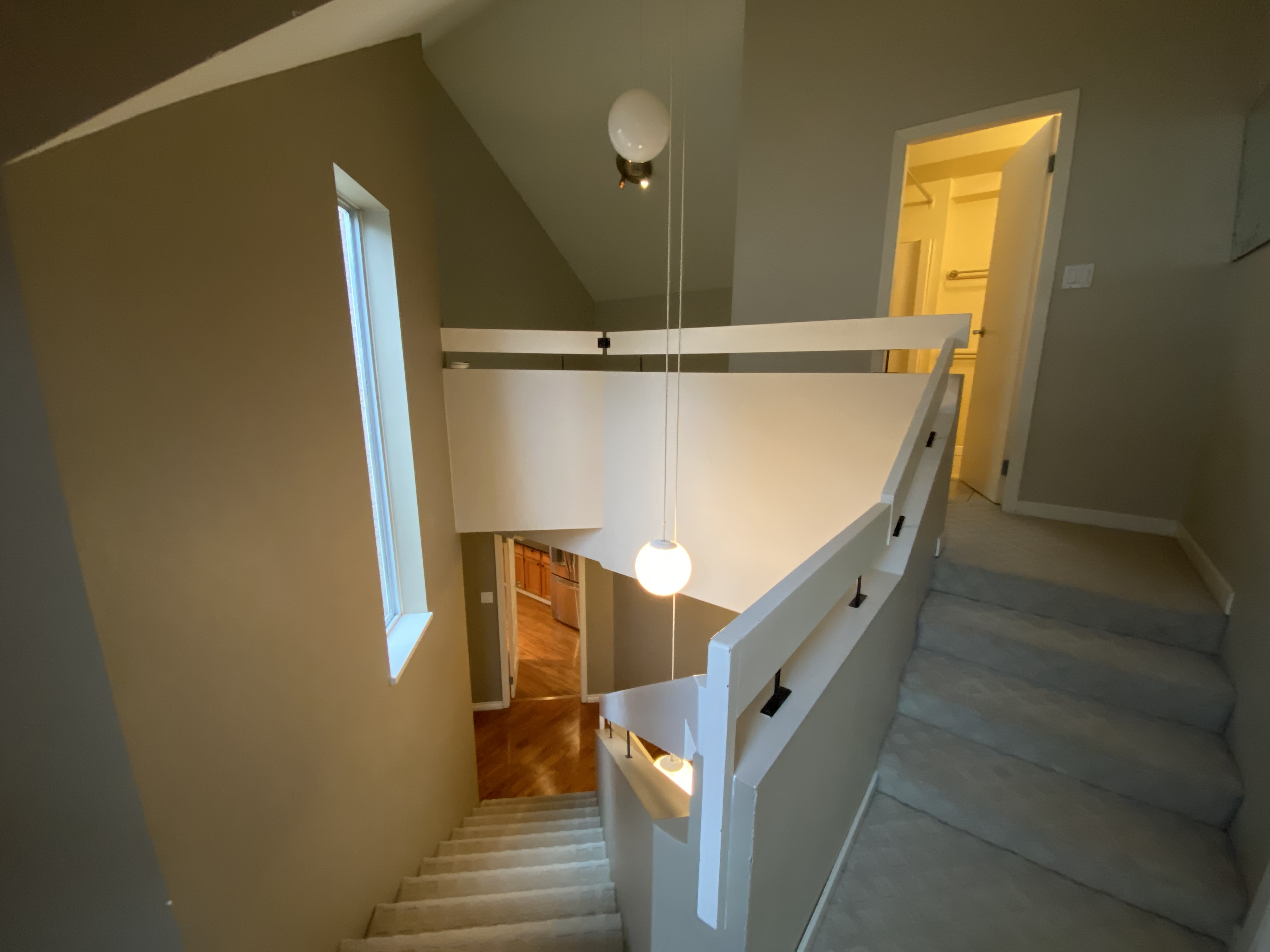 Lofty & Aerie Delbrook Townhouse- Steps From Edgemont!