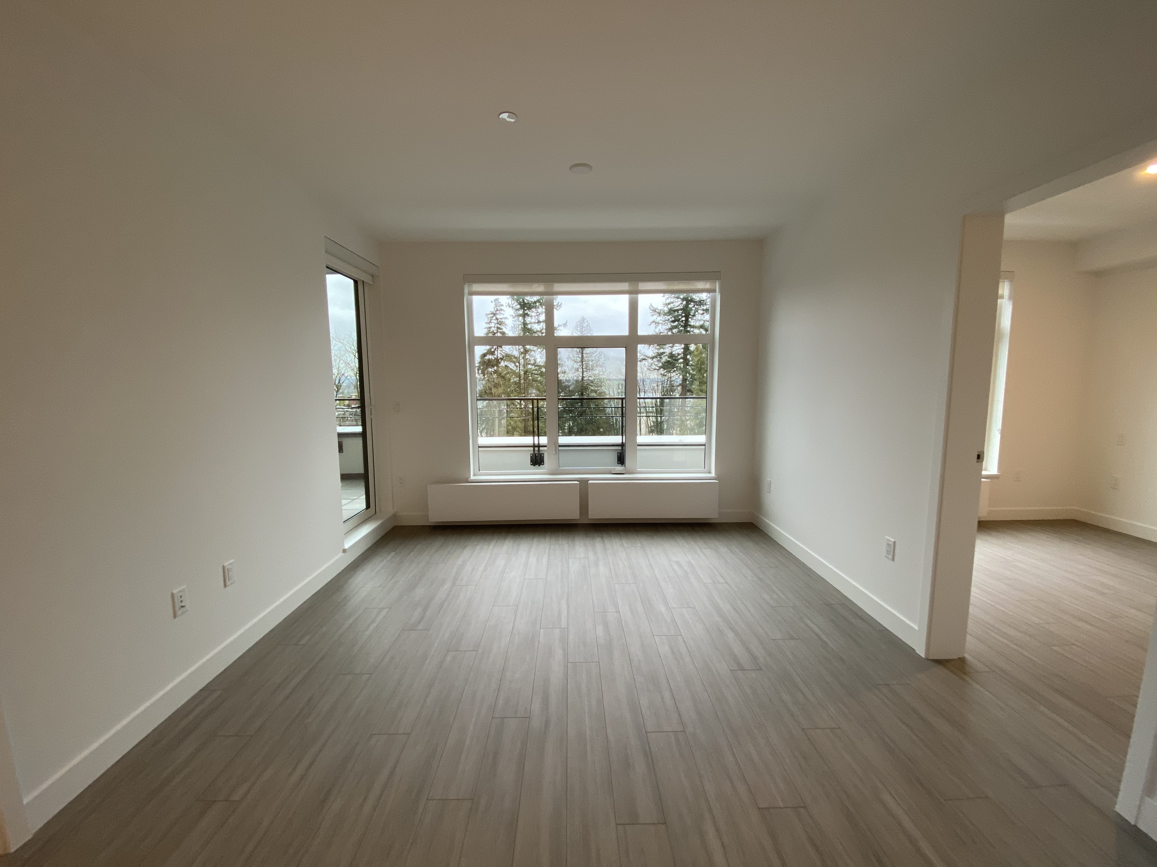 Brand New 2 Bed/2 Bath South Facing at GREEN on Queensbury!