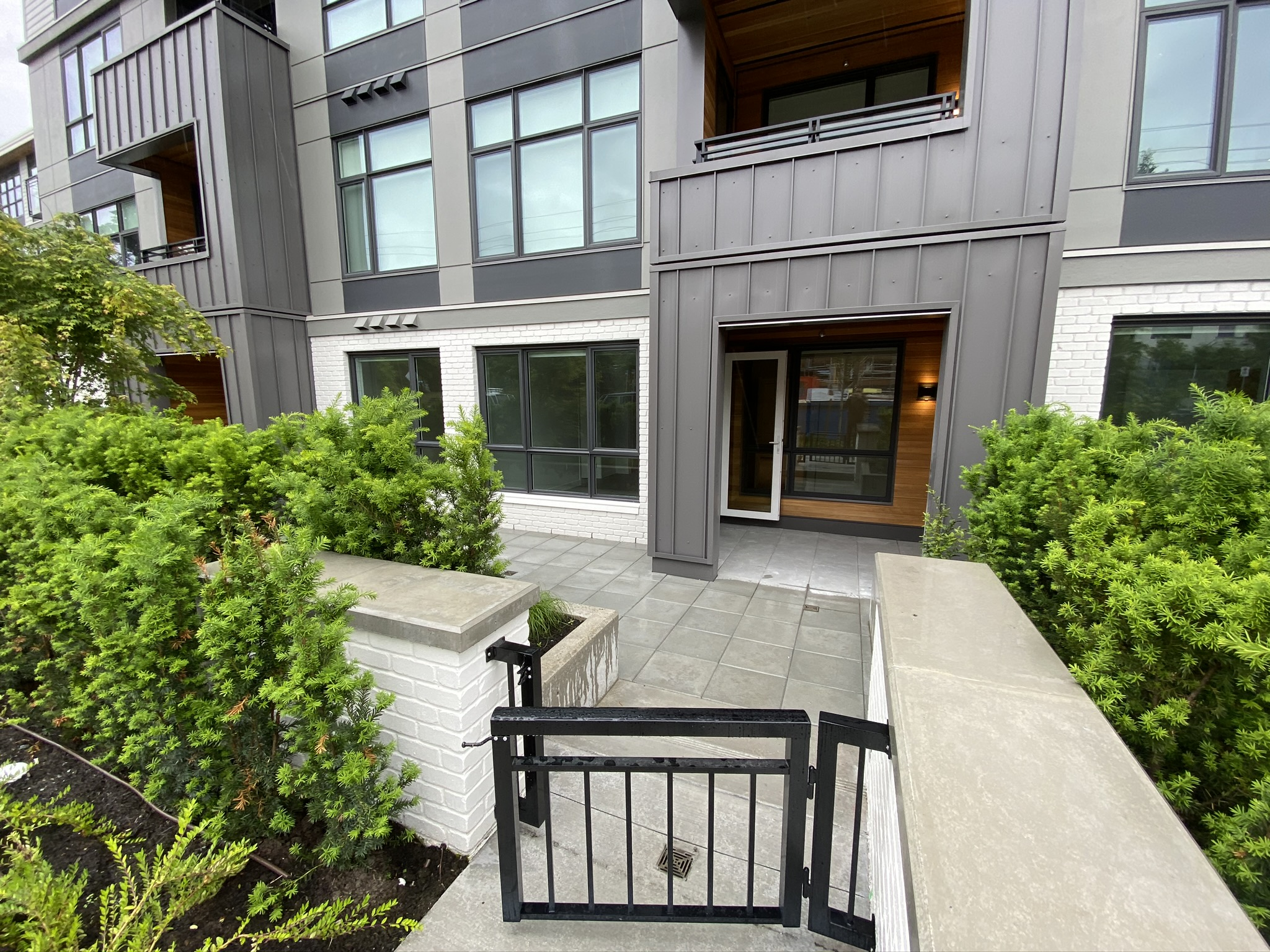 Brand New at GREEN! Townhouse-Style 2 Bed Condo w. Private entry!