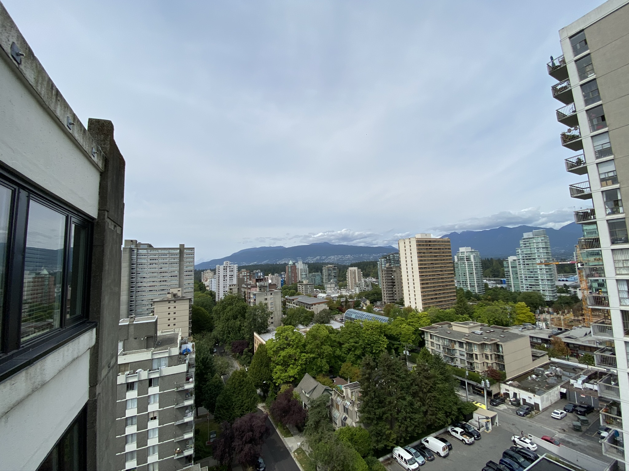 West End Penthouse, High Floor Views & Huge Floorplan!