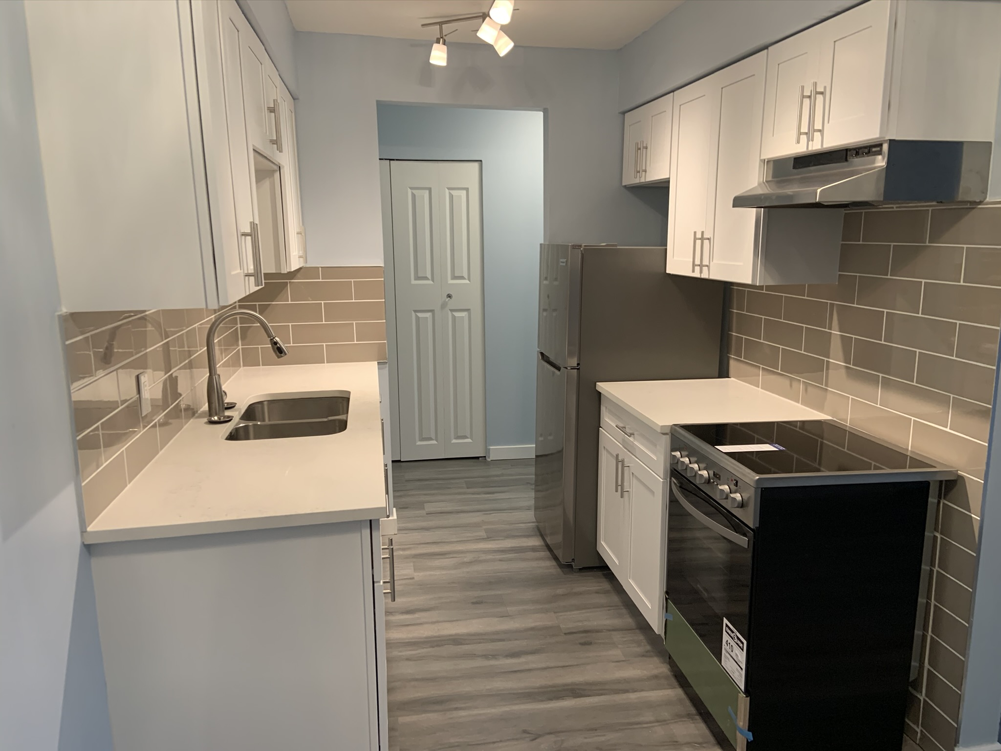 Renovation Complete! Stunning Refreshed Condo w/ DEN!