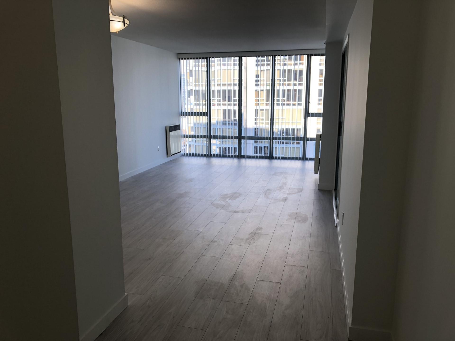 2 Bed + BIG DEN & New Floors! High Floor Views!