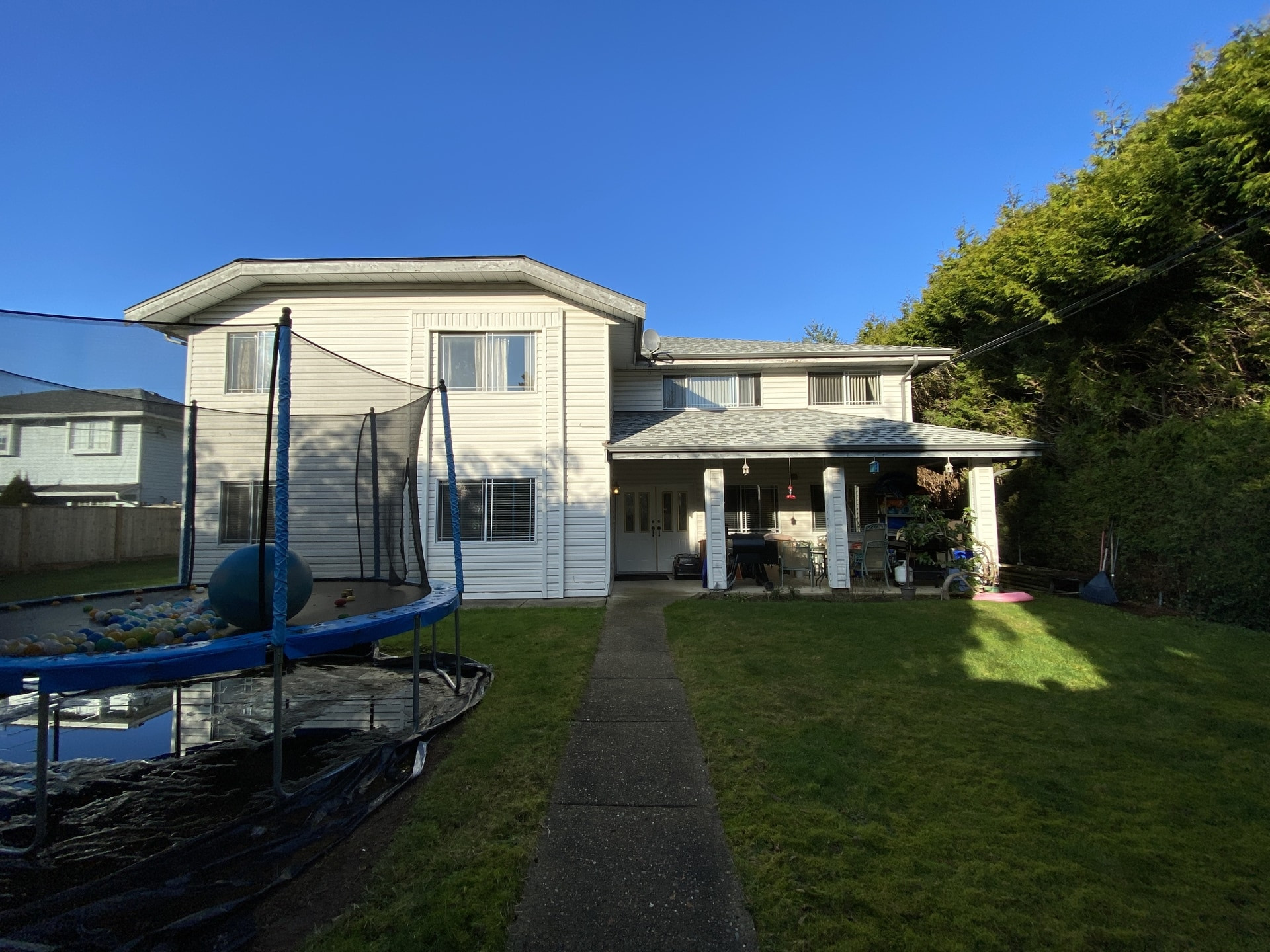 Immaculate Guildford 4Plex w/ Family-Friendly Kitchen!