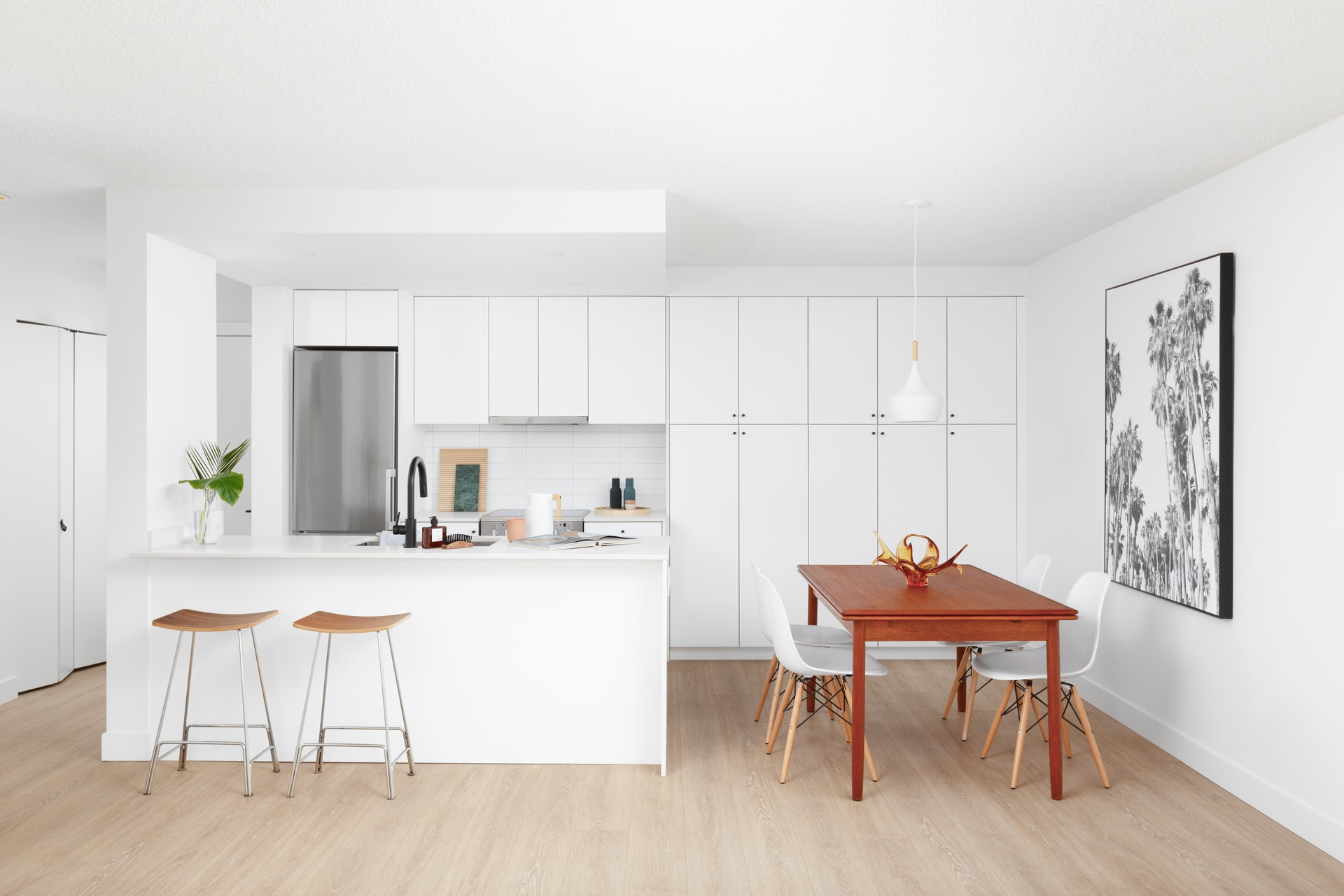 (GusApartments.com) Like-New Near Trout Lake! Dream Kitchen + Roomy Living Space!