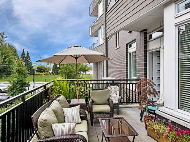 Townhouse-Style Condo Above Waterfront Park w/ A+ Work-From-Home Den!
