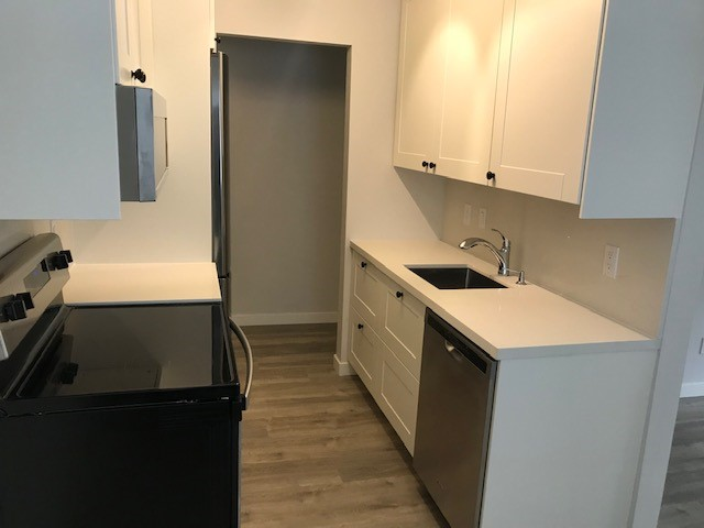 Large Updated 1 Bedroom Apartment Lower Lonsdale!