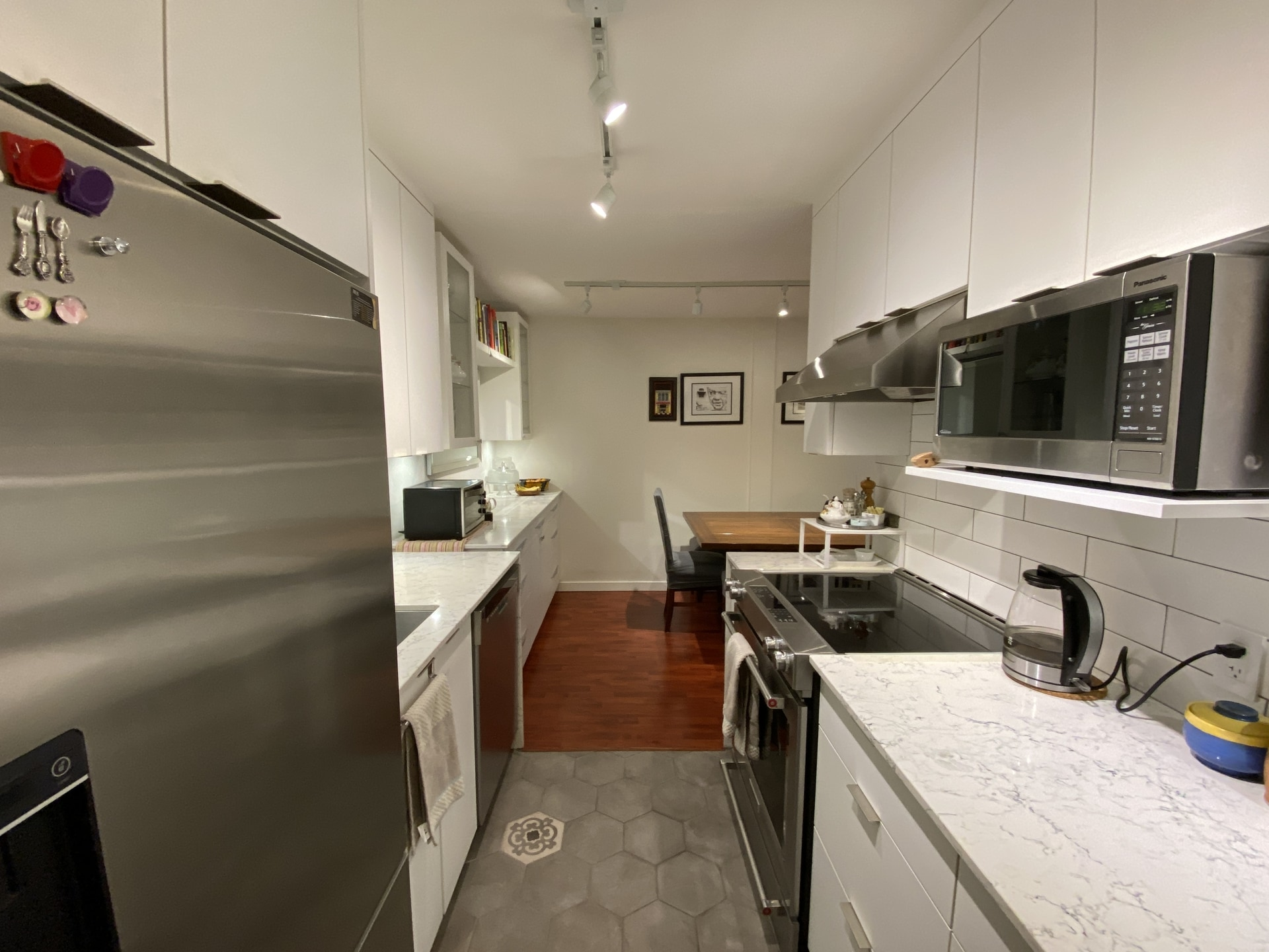 Stunningly updated 1 Bed PLUS Den in Lower Lonsdale